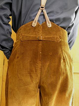 Khaki shorts for women